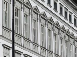 facade-117288_1280
