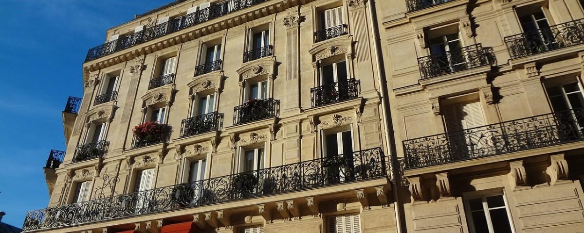 facade-of-building-503861_1280